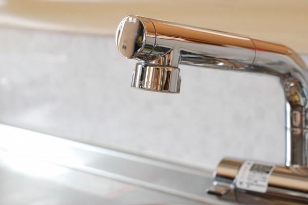 水栓の寿命は約10年。こんな症状が出たら、交換をご検討ください。
